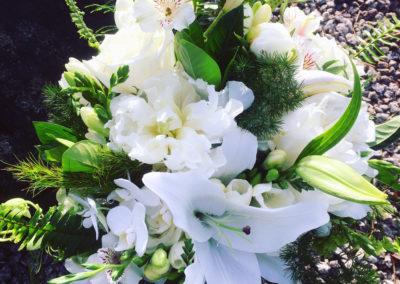 Mixed white & green bouquet