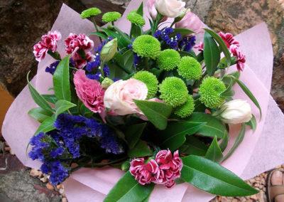 Button Chrysanthemum, Lissianthus & Spray carnations
