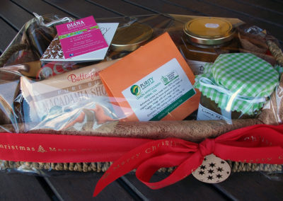 Mixed hamper with locally made products